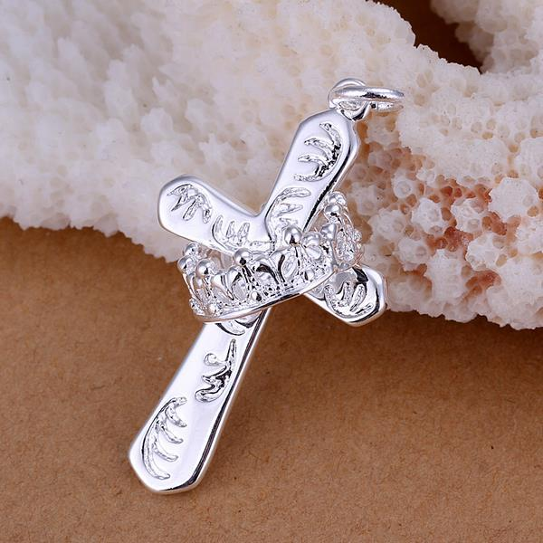 Vienna Jewelry Sterling Silver Intertwined Cross Petite Pendant
