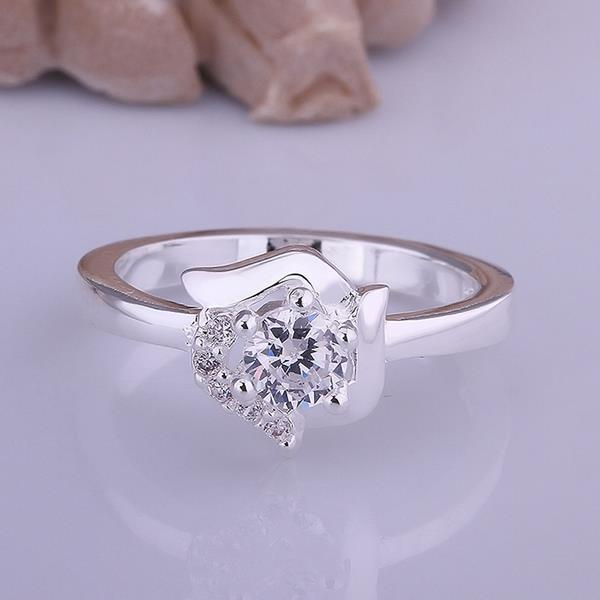 Vienna Jewelry Classic Crystal Floral Shaped Petite Ring Size: 8