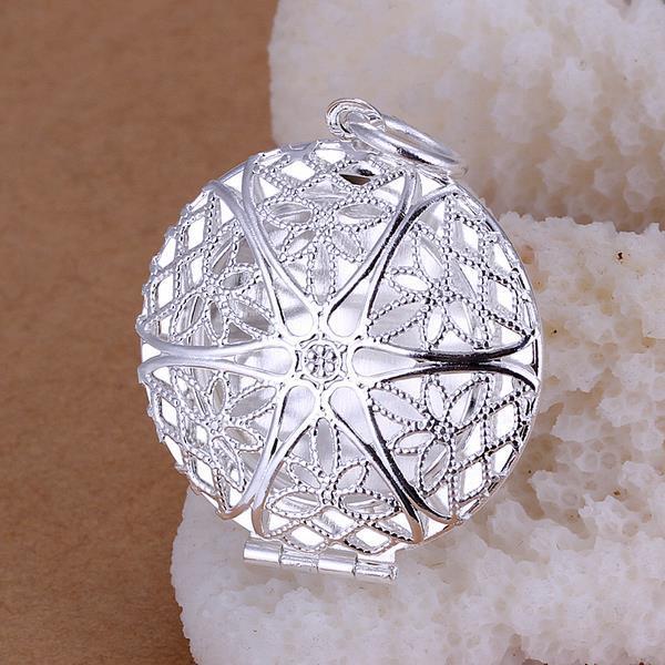 Vienna Jewelry Sterling Silver Laser Cut Circular Pendant