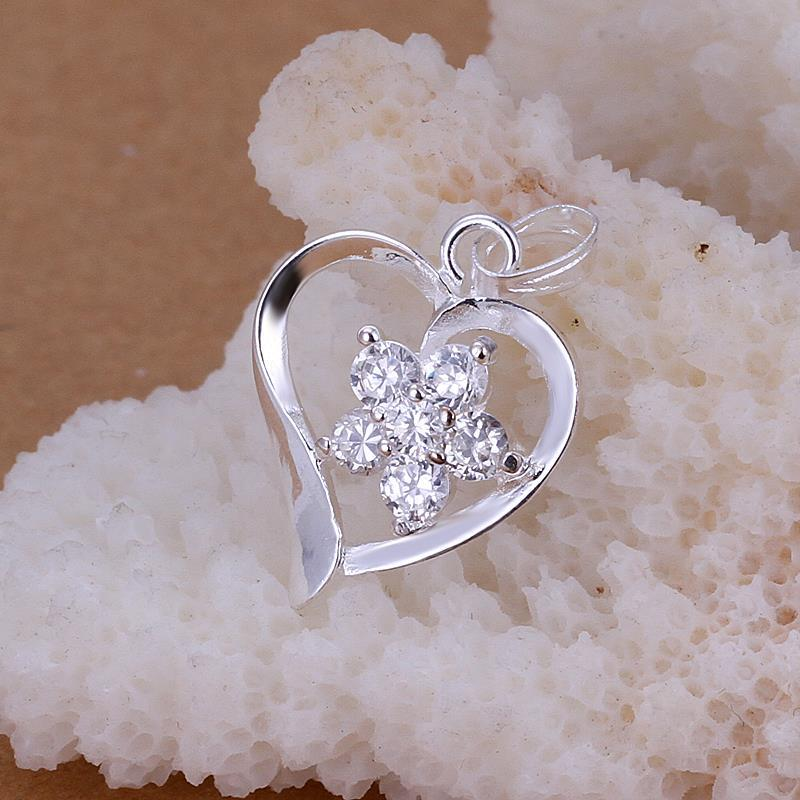 Vienna Jewelry Sterling Silver Petite Crystal Heart Pendant