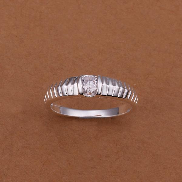 Vienna Jewelry Sterling Silver Laser Cut Lining Petite Ring Size: 8