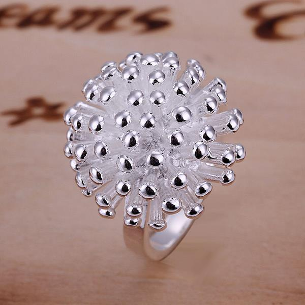 Vienna Jewelry Blossoming Studded Clover Ring Size: 8