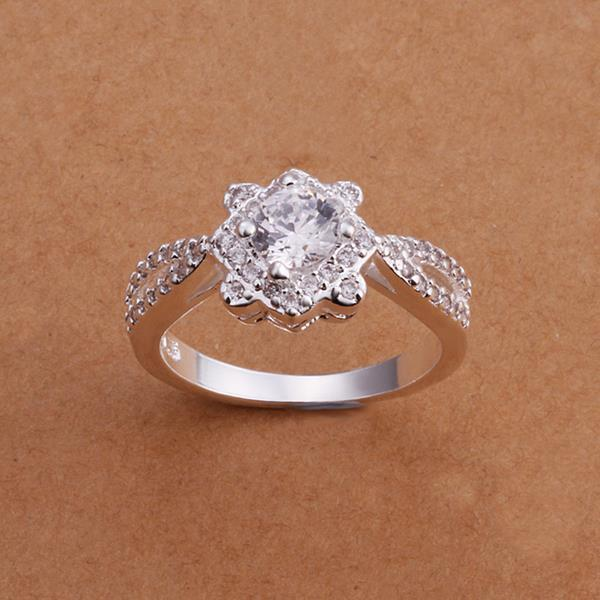 Vienna Jewelry Sterling Silver Diamond Shaped Crystal Petite Ring Size: 8