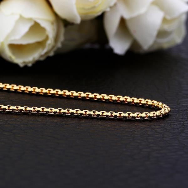 Vienna Jewelry Gold Plated Petite Paris Intertwined Chain Necklace