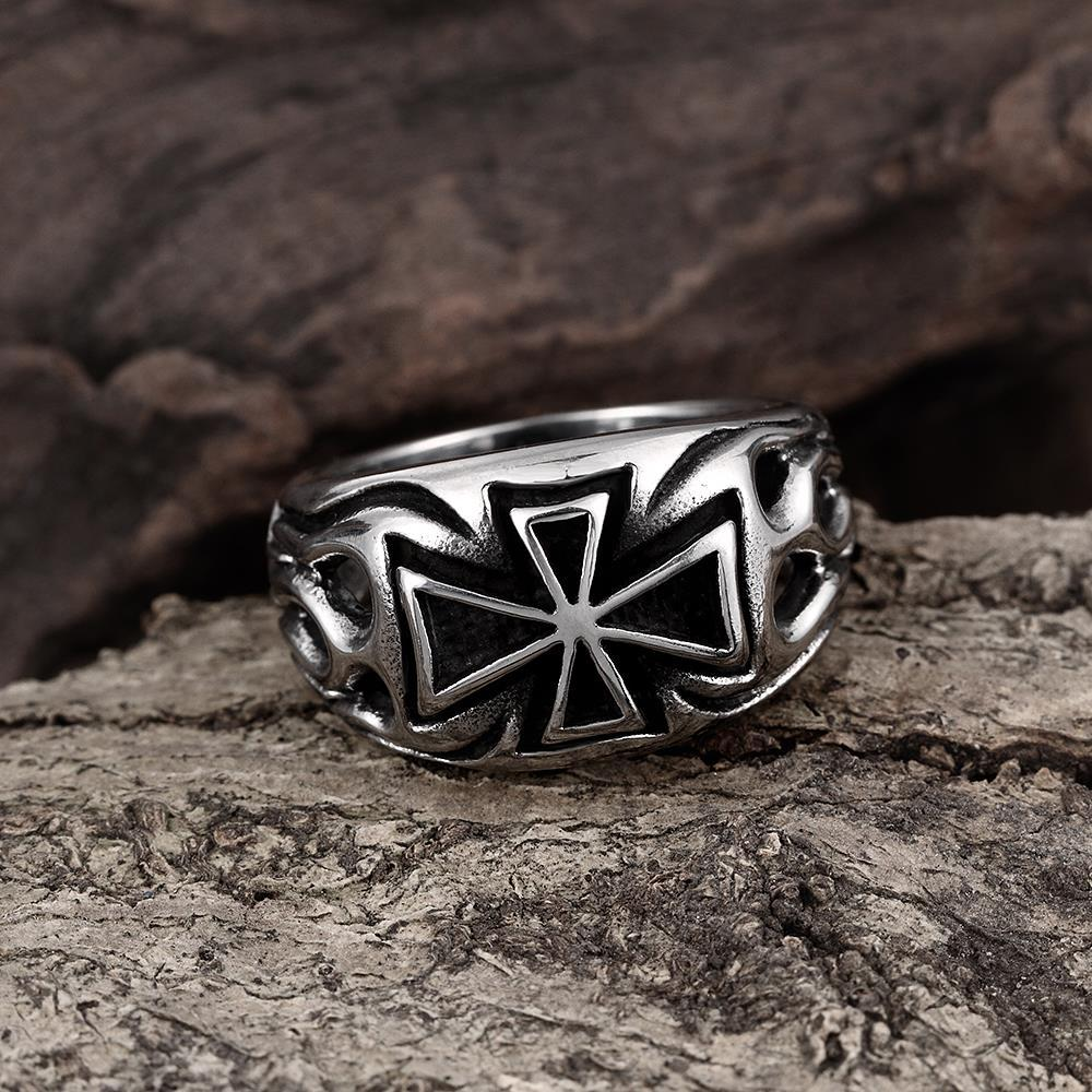 Vienna Jewelry Medium Cross Emblem Stainless Steel Ring