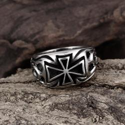 Vienna Jewelry Medium Cross Emblem Stainless Steel Ring - Thumbnail 0