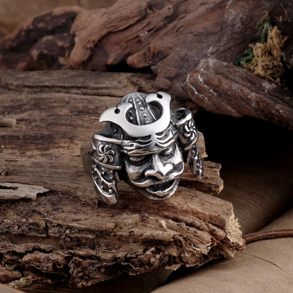 Vienna Jewelry Resurrected Creature Stainless Steel Ring