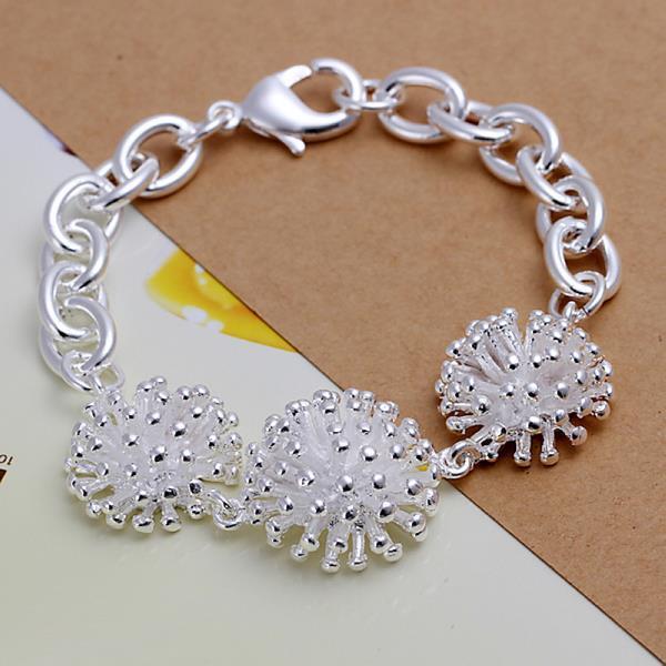 Vienna Jewelry Sterling Silver Trio-Studed Clover Bracelet