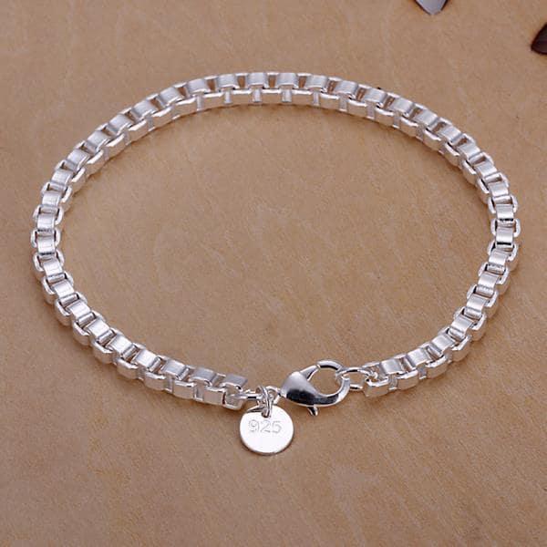 Vienna Jewelry Sterling Silver Petite Square Charm Bracelet