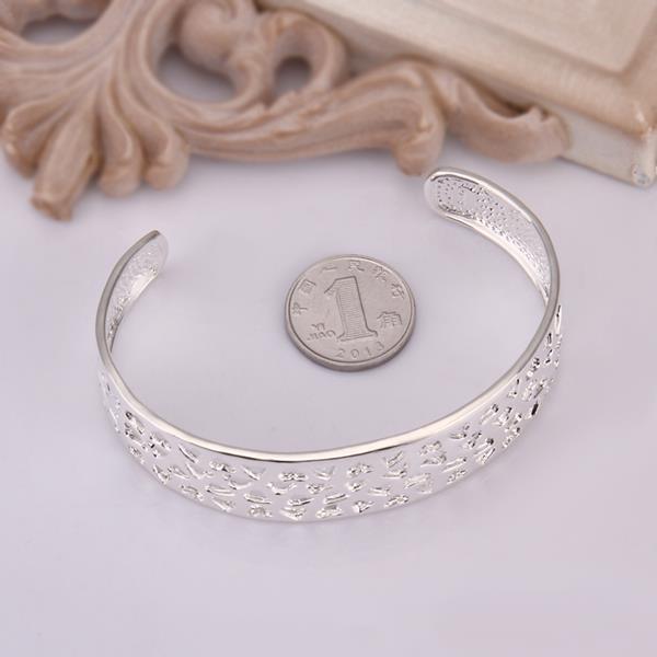 Vienna Jewelry Sterling Silver Petite Heart Shaped Open Bangle
