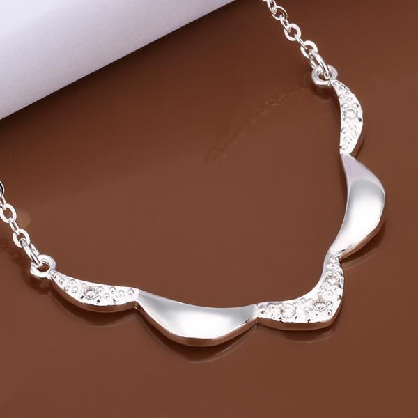 Vienna Jewelry Sterling Silver Curved Embelm Dangling Necklace