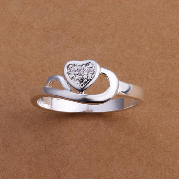 Vienna Jewelry Sterling Silver Curved Heart Shaped Petite Ring Size: 8