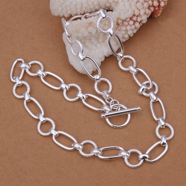 Vienna Jewelry Sterling Silver Mid Size Sleek Interlocked Chain Necklace