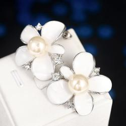 Vienna Jewelry 18K White Gold Ivory Floral Petal with Pearl Centerpiece Made with Swarovksi Elements only by: Rubiq