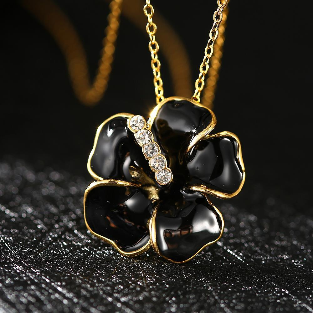 Vienna Jewelry Gold Plated Onyx Floral Petal with Crystal Lining Necklace