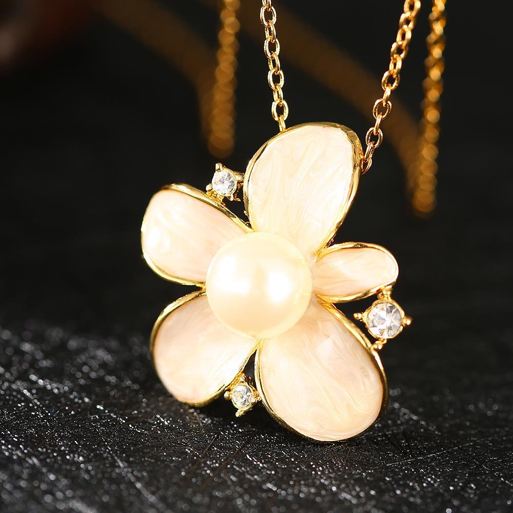 Vienna Jewelry Gold Plated Ivory Pearl Floral Necklace