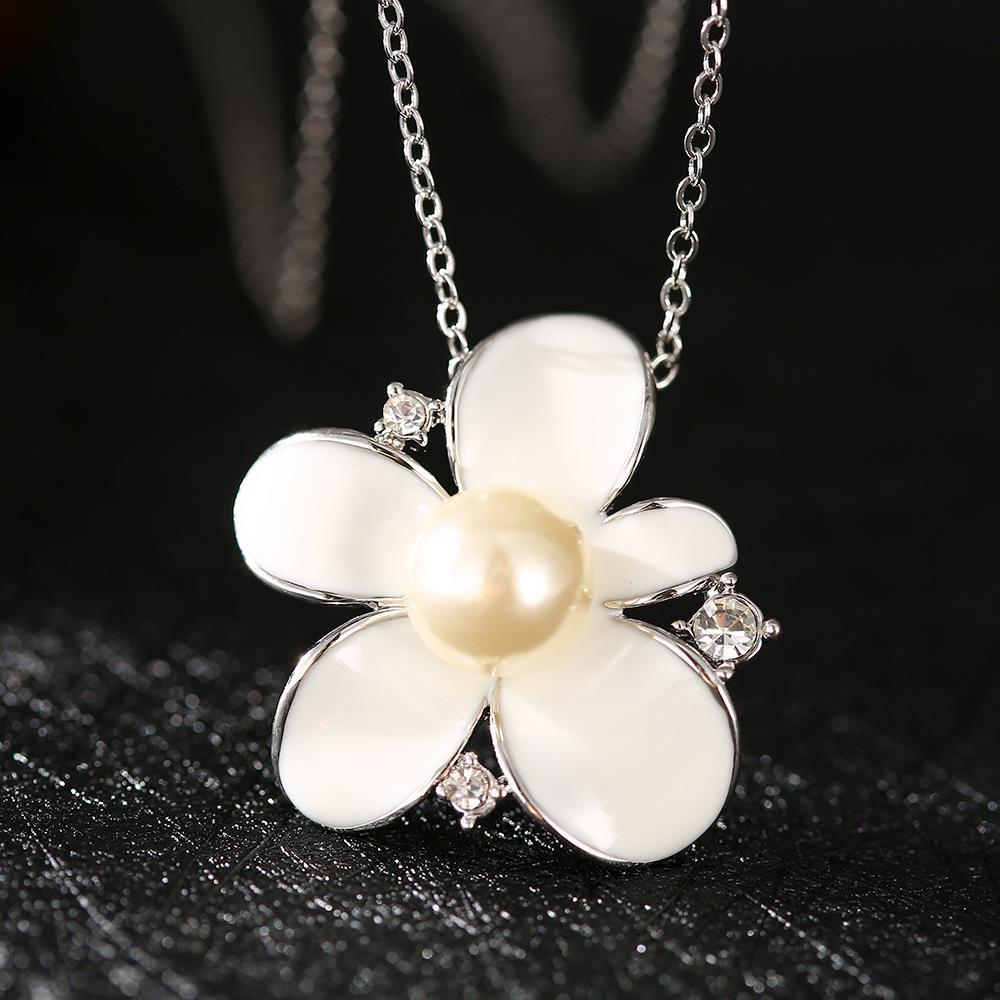 Vienna Jewelry White Gold Plated Ivory Pearl Floral Necklace