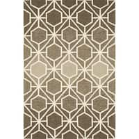 "Indoor/ Outdoor Hand-hooked Brown/ Beige Geometric Rug - 9'3"" x 13'"