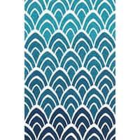 Hand-hooked Indoor/ Outdoor Capri Blue/ Multi Rug - 7'6 x 9'6