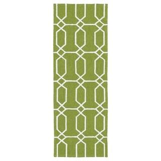 Indoor/Outdoor Handmade Getaway Apple Green Links Rug (2' x 6')