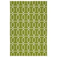 """Indoor/Outdoor Handmade Getaway Apple Green Links Rug - 5' x 7'6"""""""