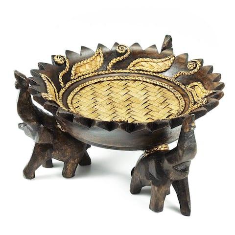 Handmade Rejoicing Elephant Leaves Carved Rain Tree Circular Wooden Tray (Thailand)