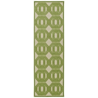 Indoor/Outdoor Luka Green Geo Rug (2'6 x 7'10)