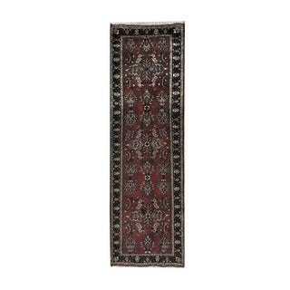 Herat Oriental Indo Hand-knotted Sarouk Red/ Black Wool Area Rug (2'7 x 8'8)