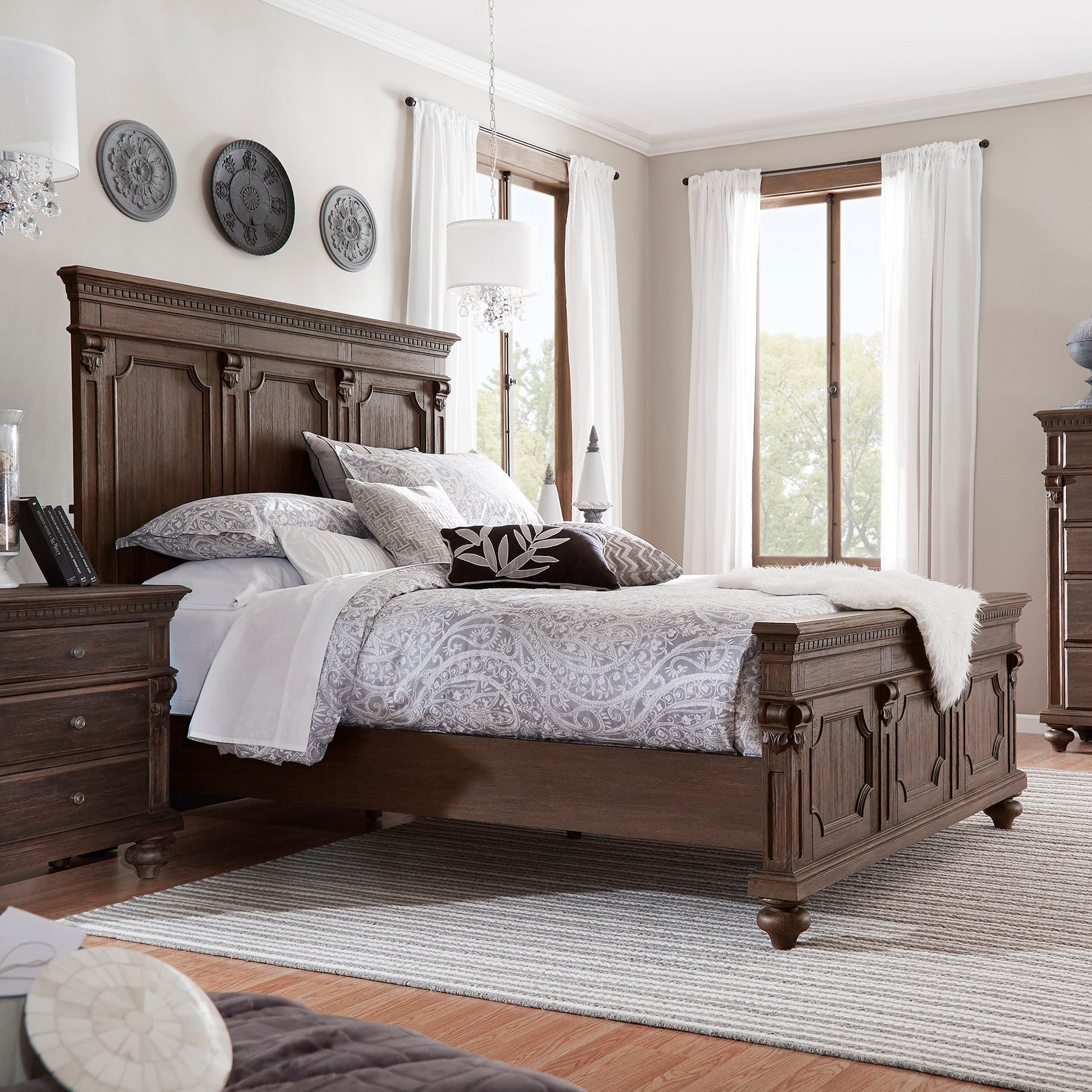 Cristoph Warm Brown Pedestal Style Bed (Queen Size)
