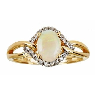 Anika and August 14k Yellow Gold Oval-cut Australian Opal 1/5ct TDW Diamond Ring (G-H, I1-I2)
