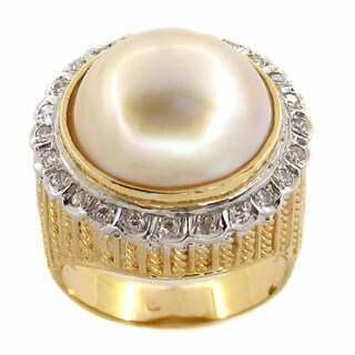 Kabella 14k Yellow Gold Mabe Pearl 1/3ct TDW Diamond Ring (I-J, I1-I2) (15mm) (Size 7.5)