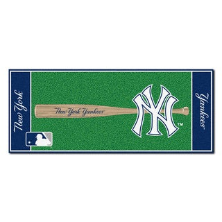 Fanmats Machine-made New York Yankees Green Nylon Baseball Runner (2'5 x 6')