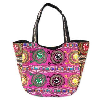 Handmade Cotton 'Glorious Gujarat' Shoulder Bag (India)