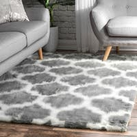nuLOOM Faux Sheepskin Solid Soft and Plush Cloud Trellis Kids Shag Rug (7' x 9') - 7' x 9'