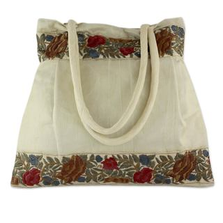 Handmade Embroidered 'Floral Beige' Shoulder Bag (India)