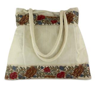 Handmade Embroidered 'Floral Beige' Shoulder Bag (India)