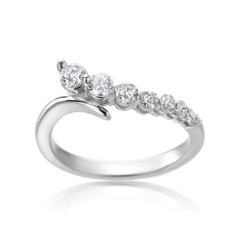 SummerRose 14k White Gold 1/2ct TDW Diamond Graduated Ring