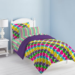 Rainbow Hearts 7-piece Bed in a Bag with Sheet Set