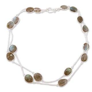 Handmade Sterling Silver 'Duduma Majesty' Labradorite Necklace (India)