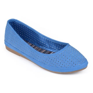 Journee Collection Women's 'Lotus' Round Toe Pin Hole Flats