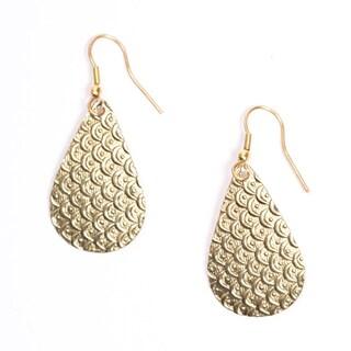 Handmade Art Deco Goldtone Scallop Earrings (India)