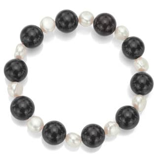 DaVonna White Freshwater Pearl and Round Black Onyx Stretch Bracelet (8-9 mm)