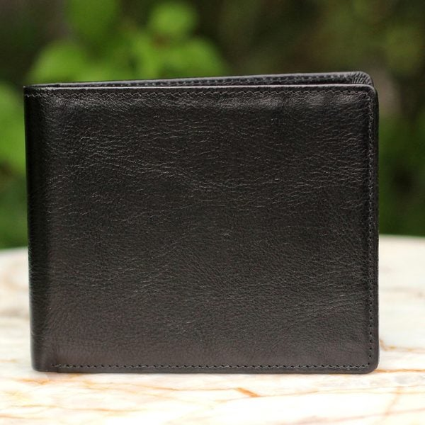 Handmade Leather Men's 'Explorer in Black' Wallet (Thailand)