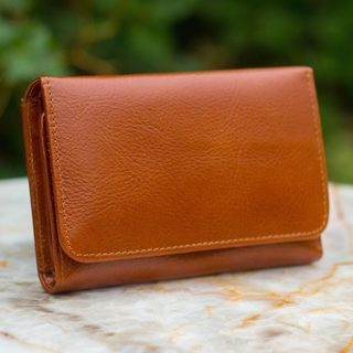 Handmade Leather 'Infinite Brown' Tri-fold Wallet (Thailand)