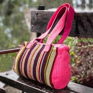 Handcrafted Wool 'Passion' Shoulder Bag (Peru)