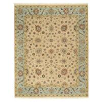 Hand-knotted Wool Beige Traditional Oriental Romance Rug (7'10 x 9'9) - 7'10 x 9'10