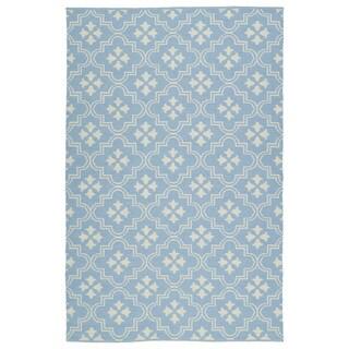 Indoor/Outdoor Laguna Light Blue and Ivory Tiles Flat-Weave Rug (5'0 x 7'6)