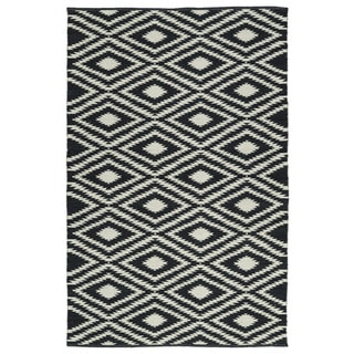 Indoor/Outdoor Laguna Black and Ivory Ikat Flat-Weave Rug (9'0 x 12'0)