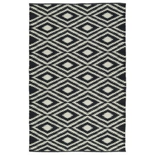 Indoor/Outdoor Laguna Black and Ivory Ikat Flat-Weave Rug (2'0 x 3'0)