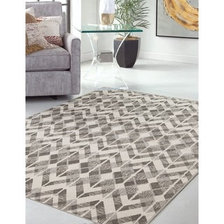 Greyson Living Clayton Grey Area Rug (5'3 x 7'6)